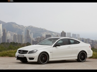 Mercedes C 63 AMG Coupe 2…