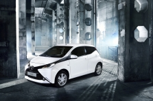 Toyota Aygo 2015 - Photo …
