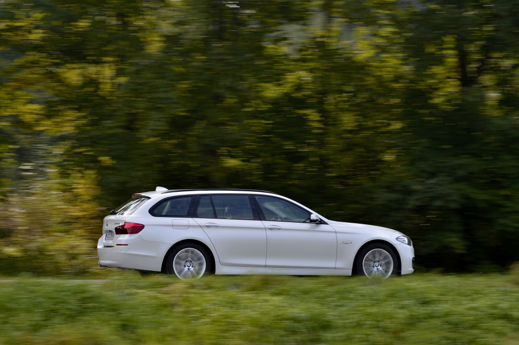 BMW 520d Touring 2015 - Photo 24 - 1024x680
