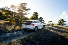 Volvo V60 Cross Country 2…
