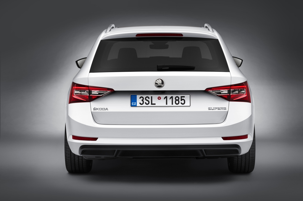 Skoda Superb Estate 2016 - Photo 06 - 1024x680