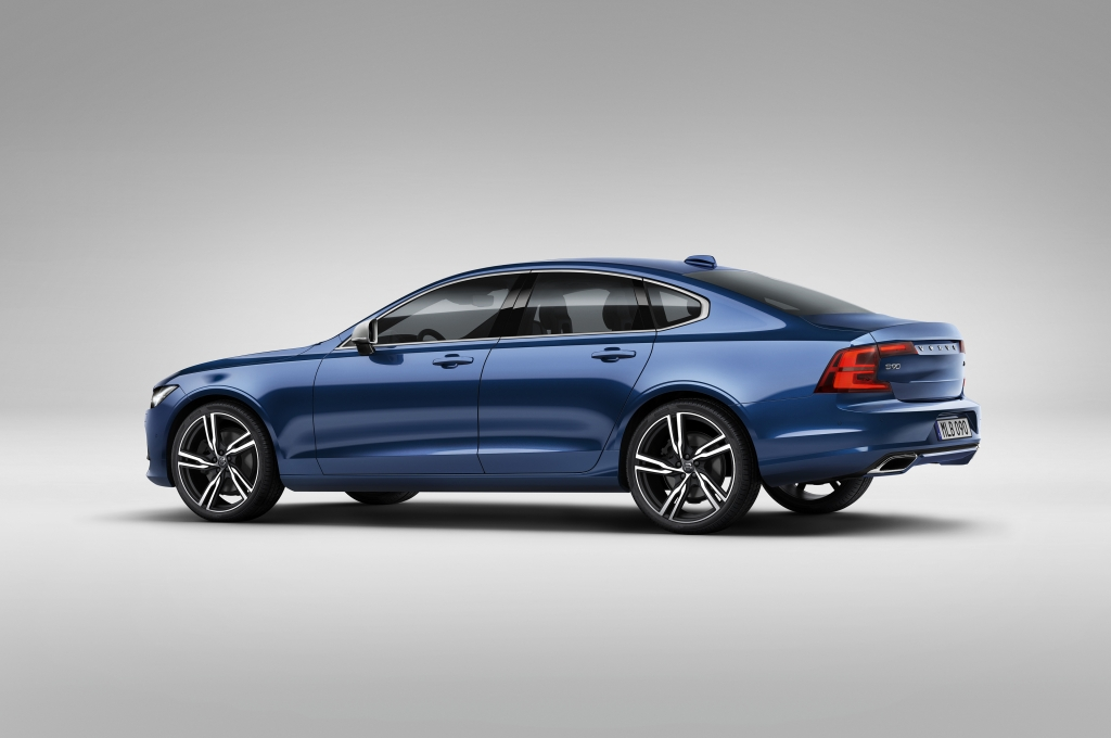 Volvo S90 R-Design 2017 - Photo 03 - 1024x680